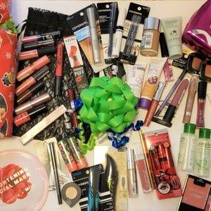 Mystery Beauty Bundle Sale ~ Lot of 10
